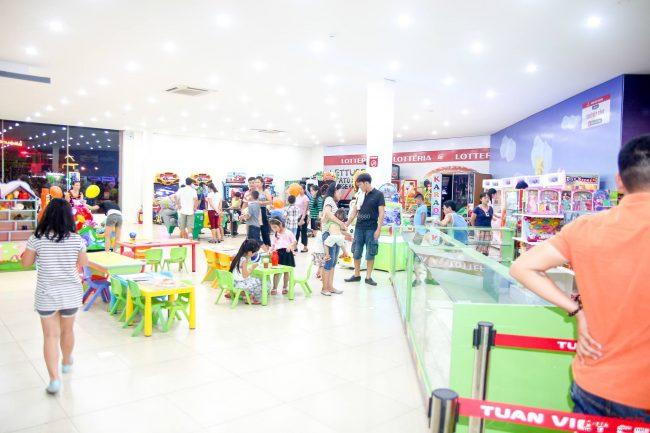 Khu vui chơi Tuấn Việt Kidz nằm trong Trung Tâm Thương Mại Tuấn Việt – Quảng Bình.