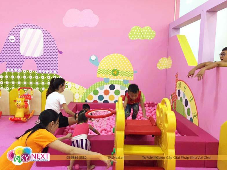Phòng chơi dành cho bé dưới 1 tuổi
