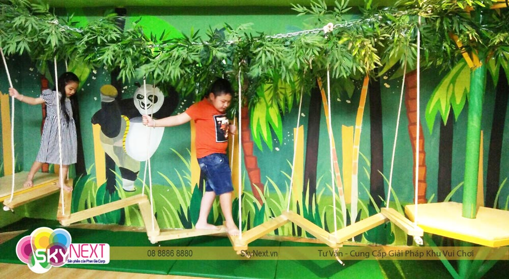 Thám hiểm rừng trúc kích thích các bé