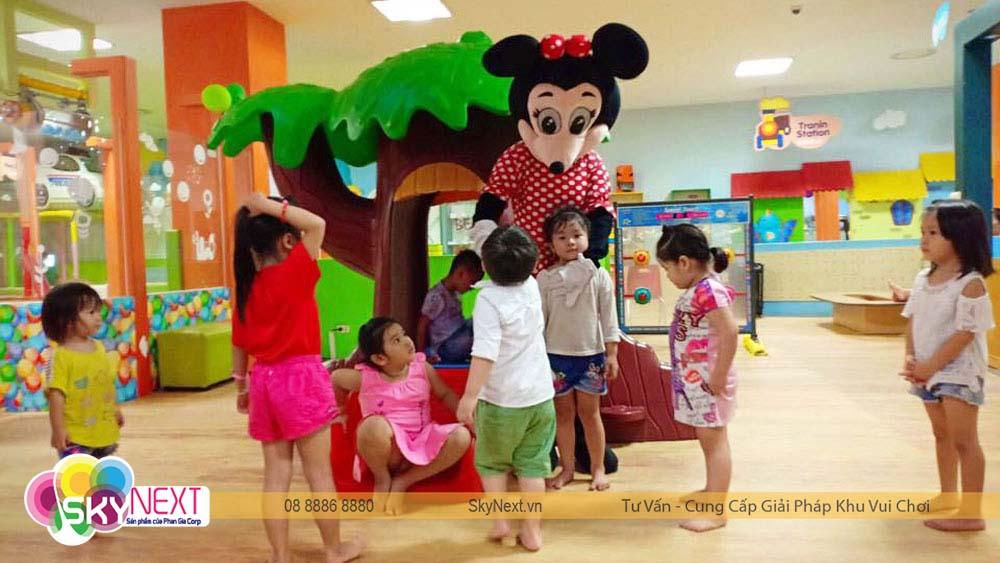 Các bé thích thú vui chơi tại PlayTime Biên Hòa