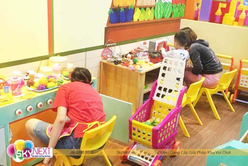 Bé hào hứng vui chơi trong Like Kids Khánh Hòa