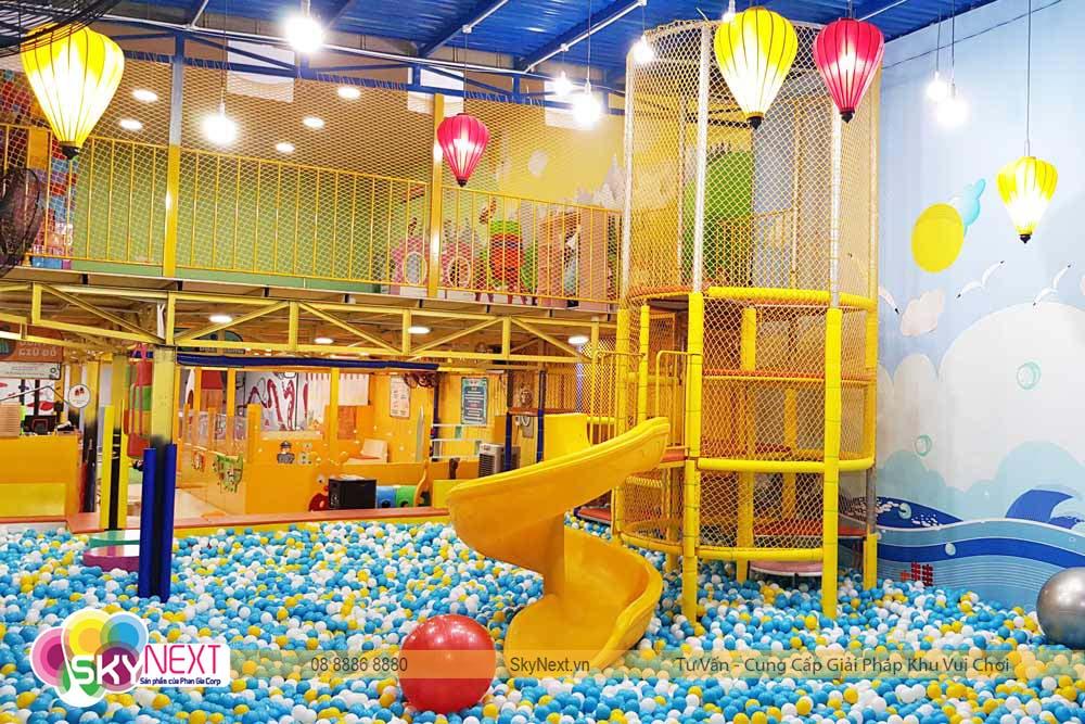 Hồ bóng khu vui chơi Carot Garden Đồng Xoài