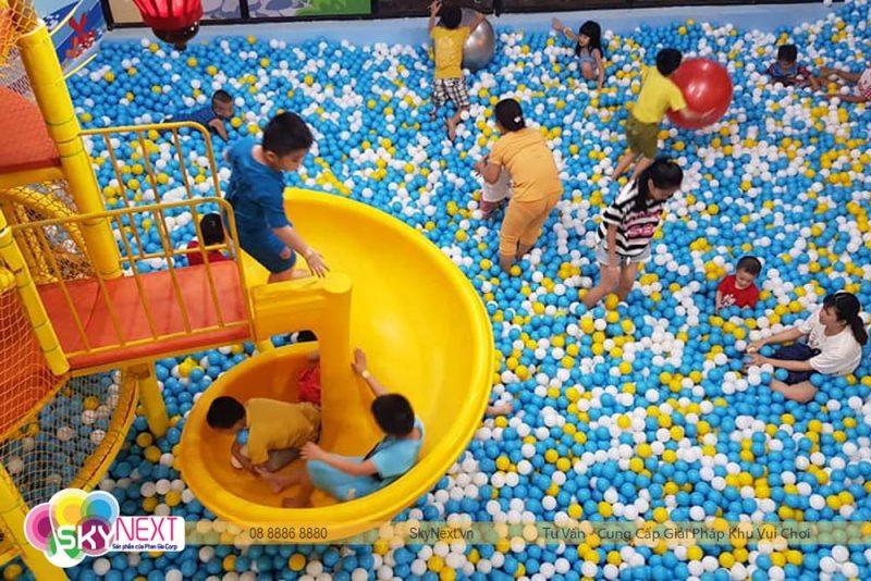 Trẻ em ĐỒng Xoài vui chơi tại Carot