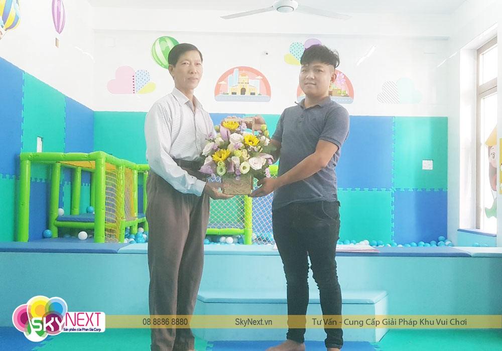 Skynext tặng hoa