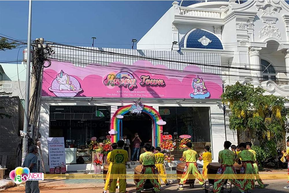 Cổng chào khu vui chơi trẻ em trong nhà ở Phan Thiết