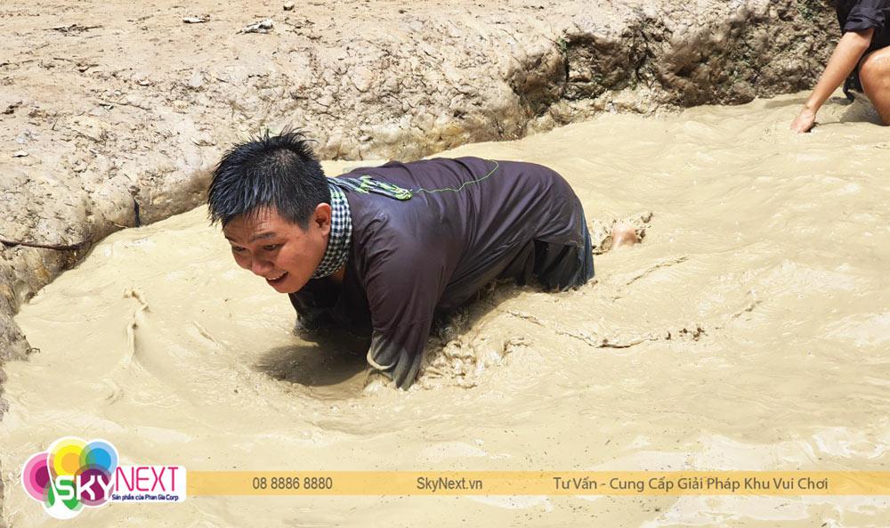 Bắt cá lóc nướng trong KDL Lan Vương - Teambuilding 2020