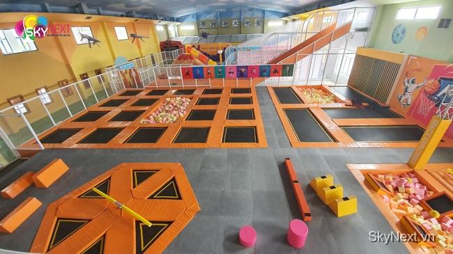 Khu sàn nhún trampoline hay còn gọi là bạt nhún