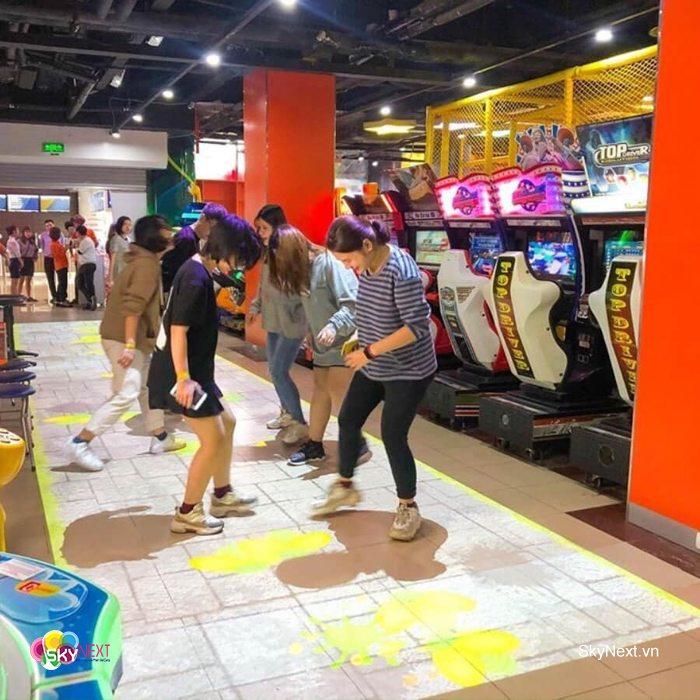 Mua sắm thỏa thích tại khu lưu niệm và vui chơi giải trí tại Rạp chiếu phim Quốc Gia